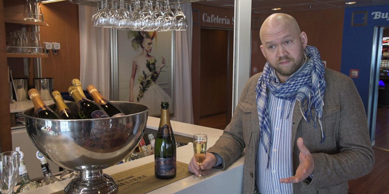 Klaas kvaliteetset šampanjat