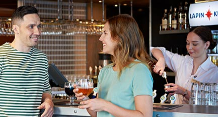 baarit ja ravintolat m/s Finlandia Pub Telakka